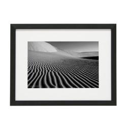 Gerahmtes Bild Sand Nr11 – Kunststoffrahmen Schwarz